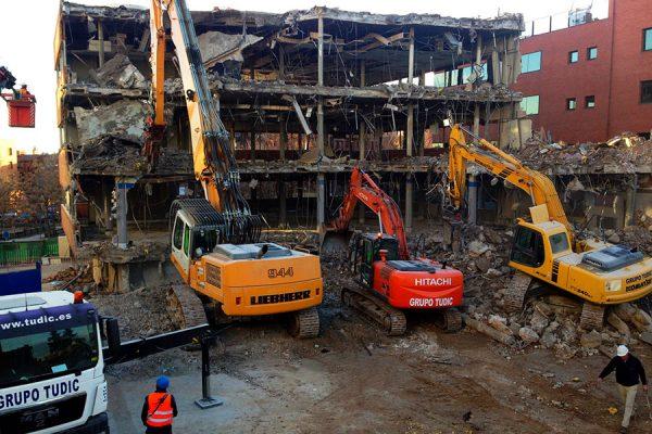 demoliciones-tudic-gruas